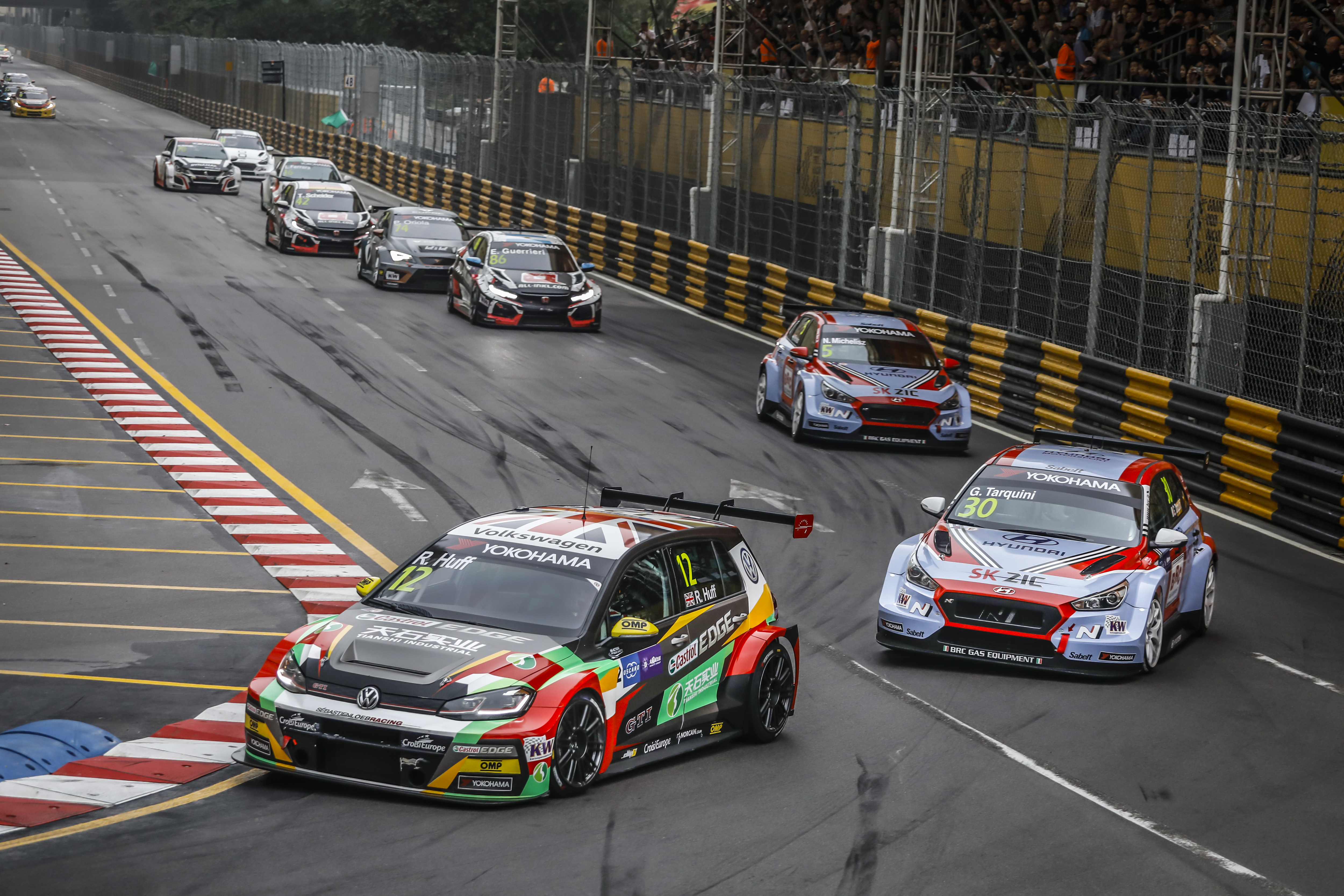 Huff lands TAG Heuer Best Lap Trophy at Macau WTCR finale